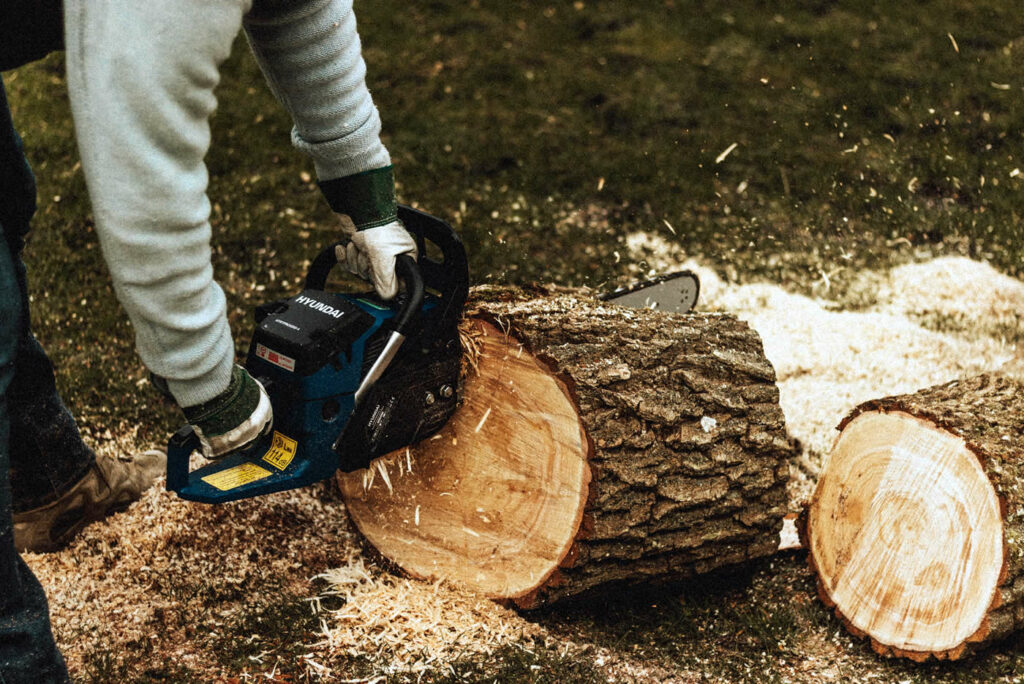 Chainsaw AHCMOM213 Operate and Maintain Chainsaws Training Course Perth
